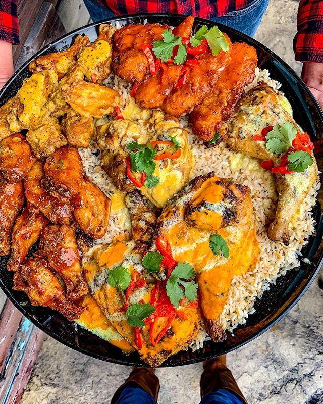 🇿🇦 $25 💳 to PELI PELI KITCHEN! 🎉 To enter, make sure you follow ALL 3 steps:. . 1️⃣ Like this post ❤️. 2️⃣ Follow @houstonsgotspice & @pelipelikitchen 👥. 3️⃣ Tag friends in the comments (each comment/tag = 1 entry) 👫. . Peli Peli Kitchen has recently welcomed a new chef from South Africa and has revamped their menu! They've also added their namesake peri peri pepper sauces. 🌶 This is a great lunch spot that y'all should definitely try, especially the Curry Chicken! 🐔🤤. . 🎤Winner will be announced Sunday!