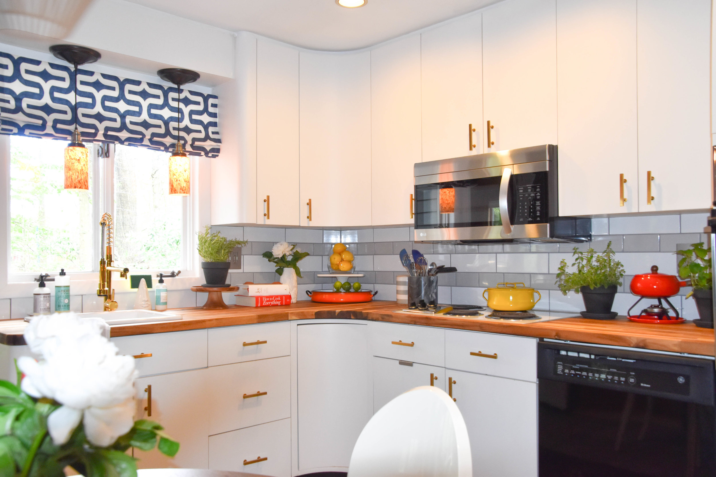 modern eclectic vintage glam d.i.y. kitchen remodel pendant light therathproject