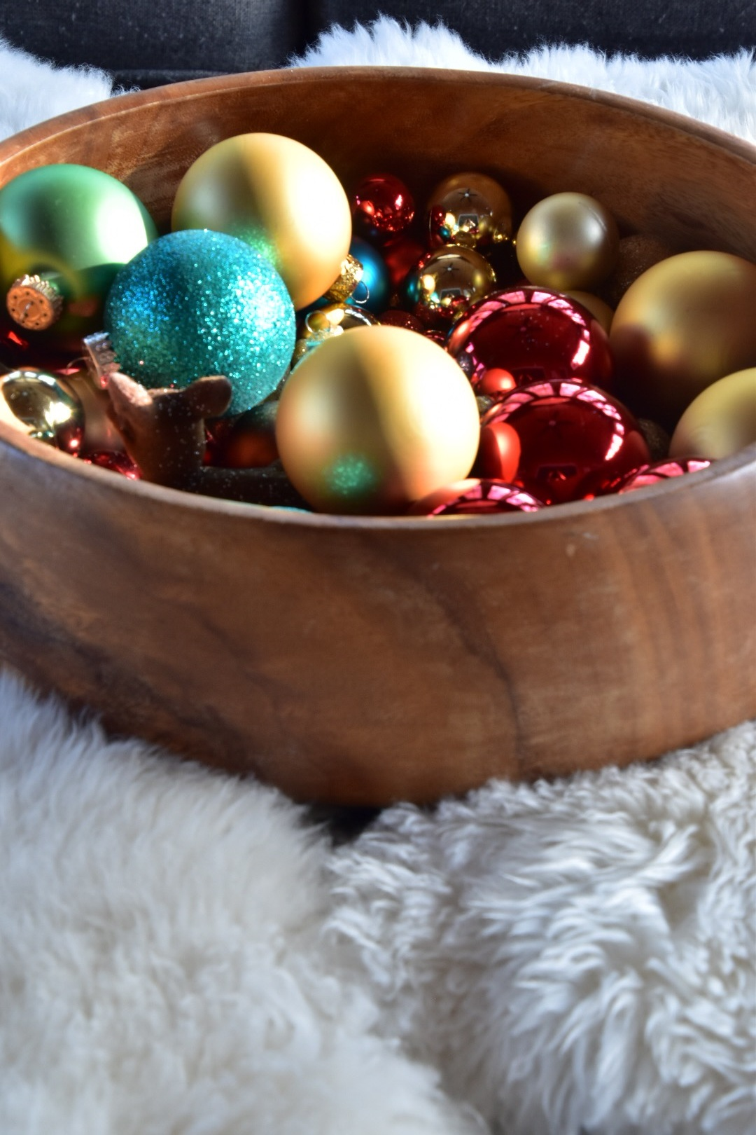 easy holiday decor- a bowl of colorful ornaments by the rath project
