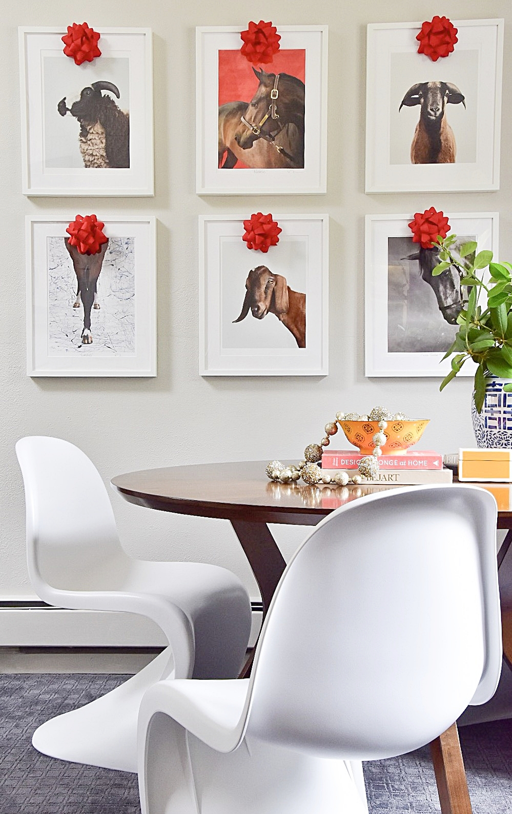 gallery wall animals with bows.JPG