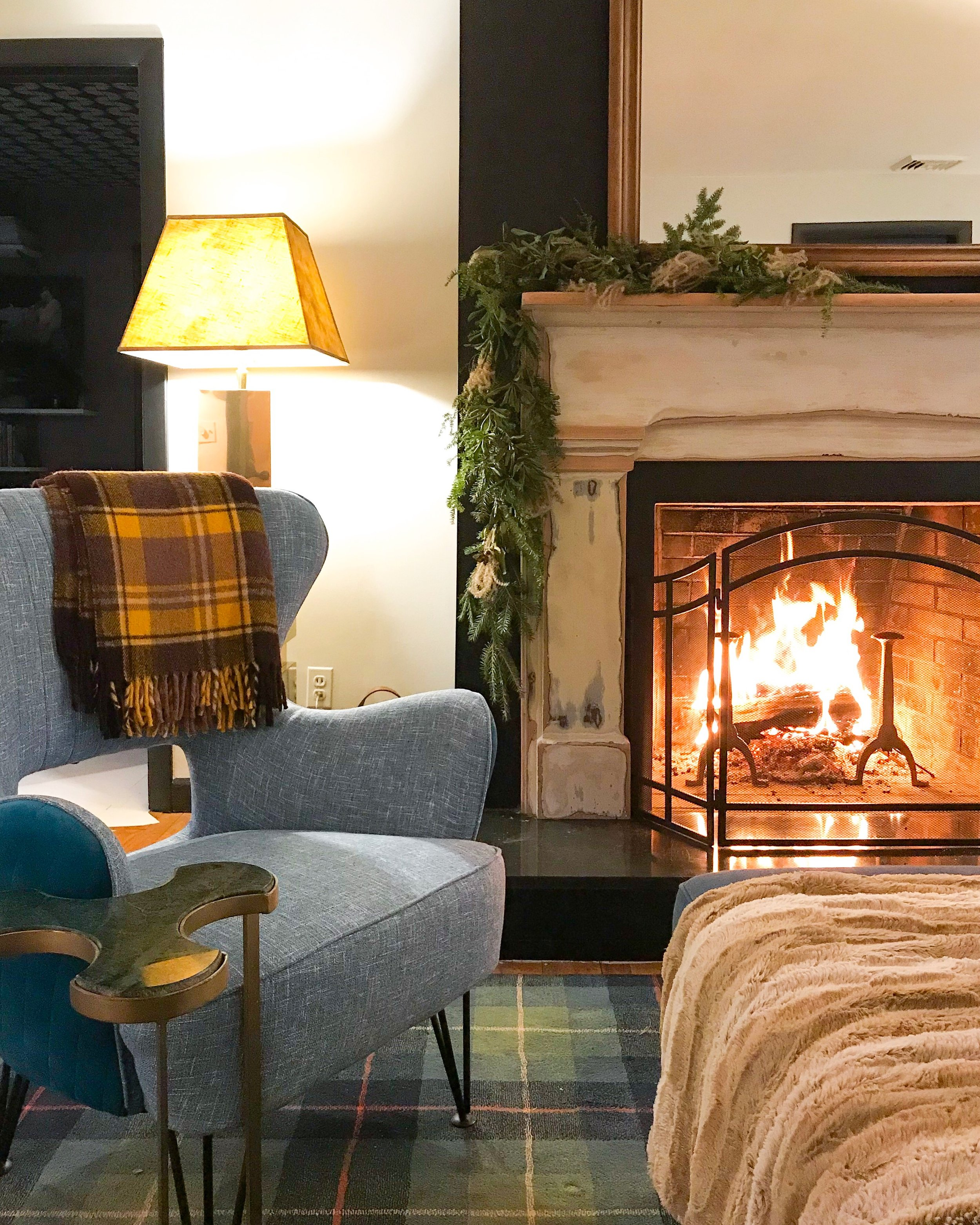 homemade fireplace garland by the rath project.JPG