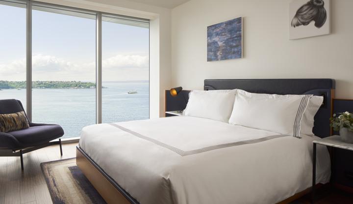 Thompson Seattle Room View King .jpg