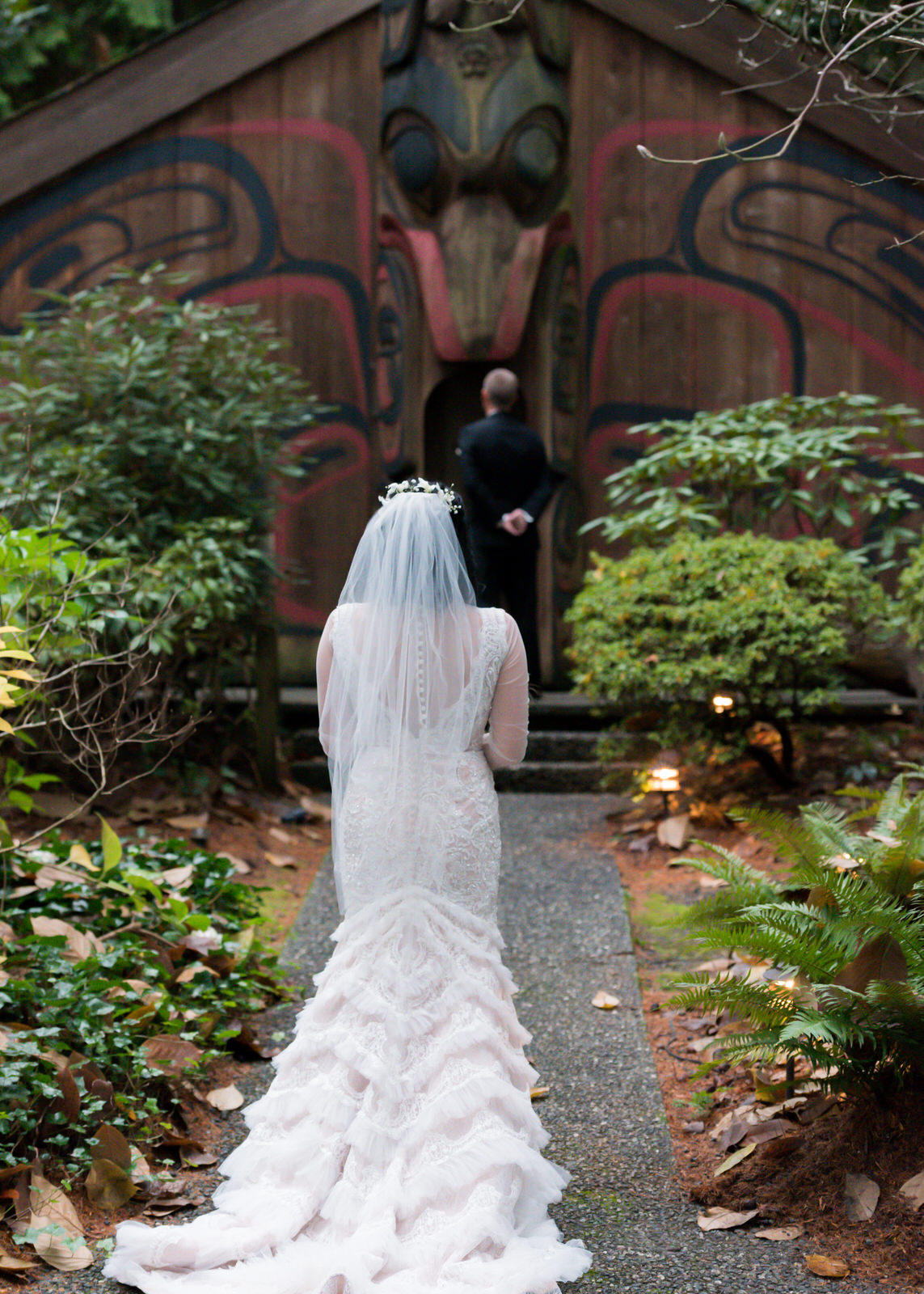 Rustic Winter Wedding Kiana Lodge Poulsbo Rainy Day-17.jpg