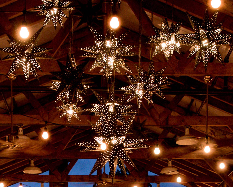 Rustic Winter Wedding Kiana Lodge Poulsbo Rainy Day-26.jpg