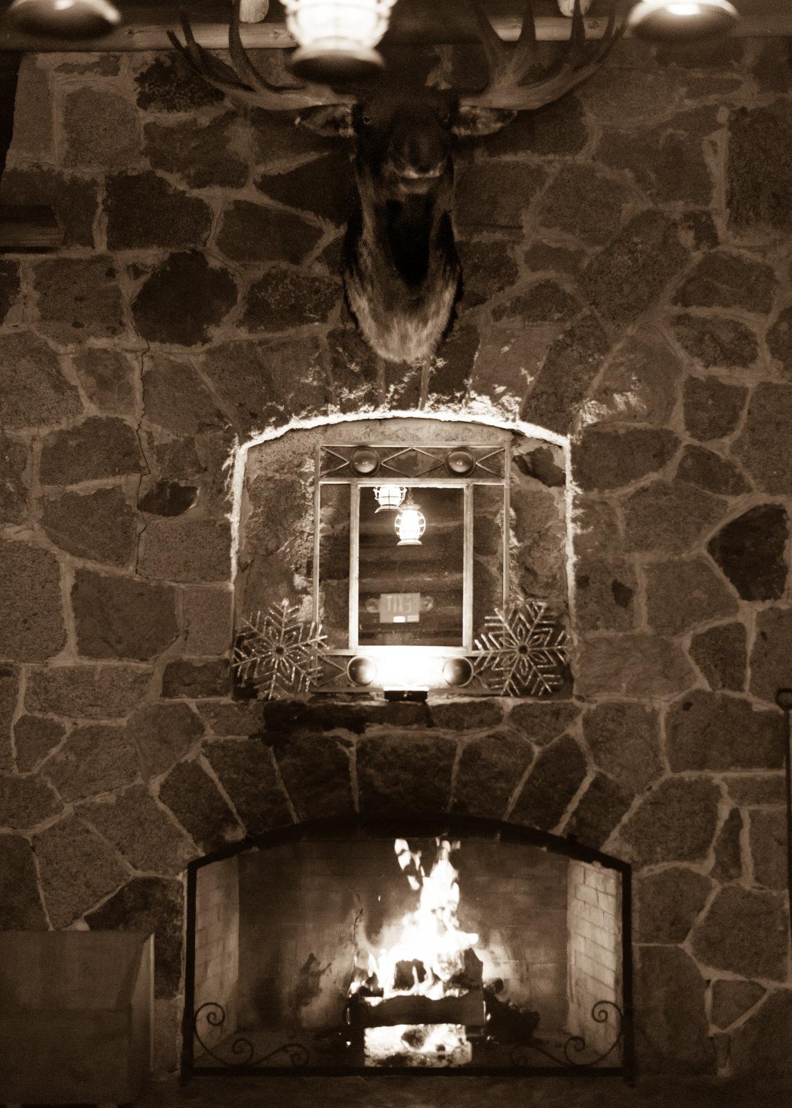 Rustic Winter Wedding Kiana Lodge Poulsbo Rainy Day-57.jpg
