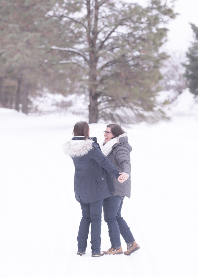 Leavenworth snowy engagement -1111-Edit.jpg