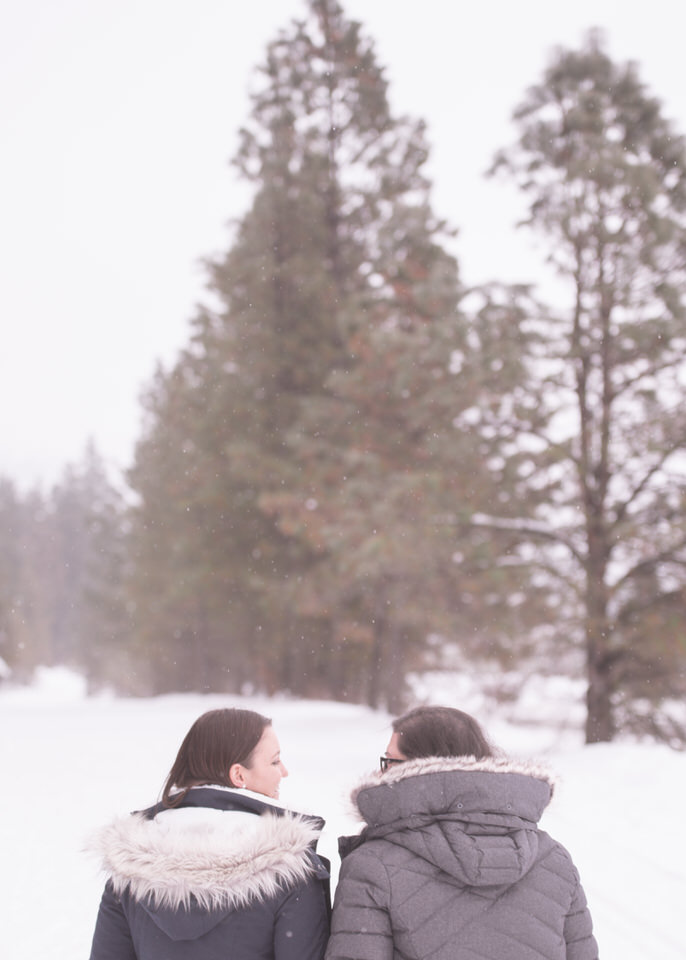 Leavenworth snowy engagement -1172.jpg