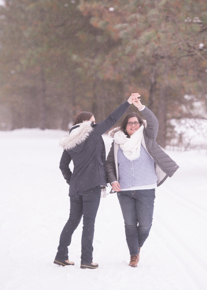 Leavenworth snowy engagement -1195.jpg