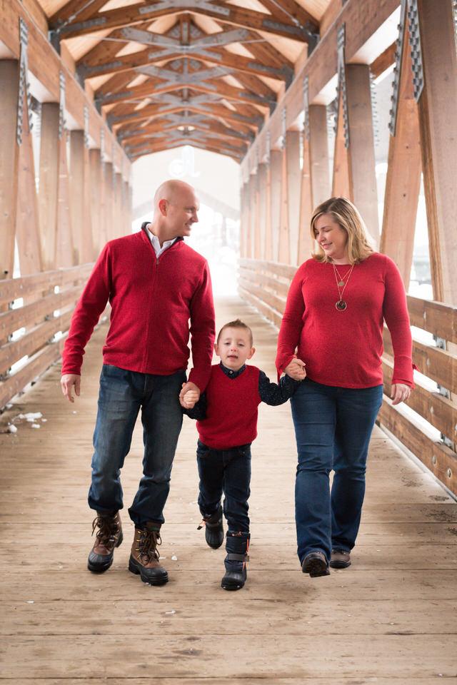 Alpental Bridge Snoqualmie Pass Winter Family Session C Servin Photographs -29.jpg