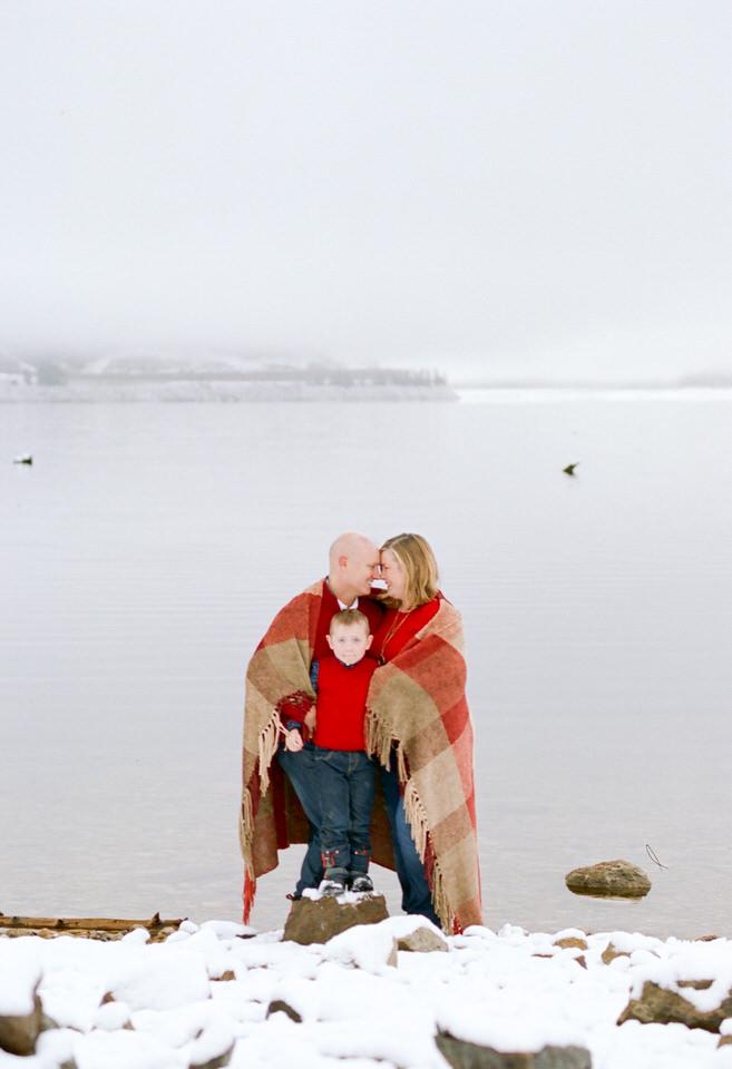 Howshar Snoqualmie Pass Lake Blankets Snow-1.jpg