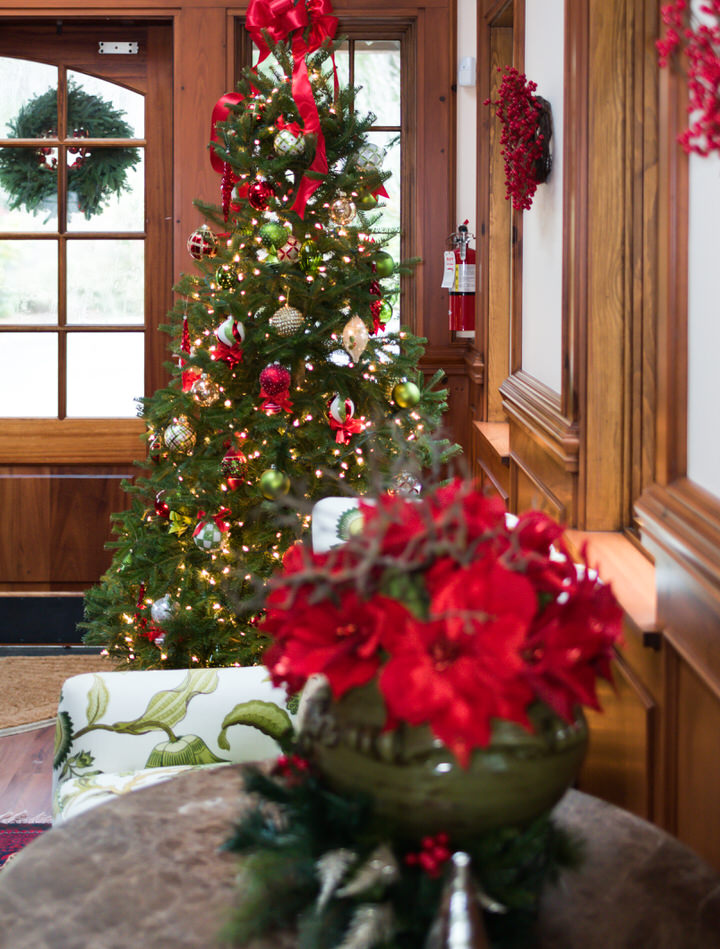 Pleasant Beach Village Bainbridge Island Christmas Holiday Decorations-1.jpg