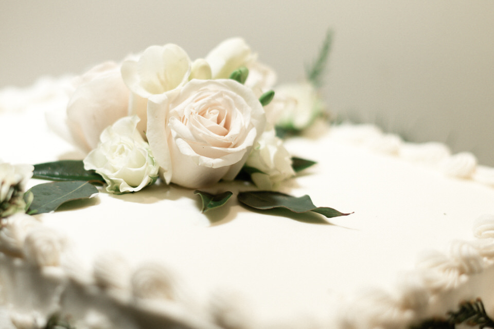 Bride and Groom Wedding Cake Seattle Enumclaw Spring Christina Servin Photographs-1.jpg