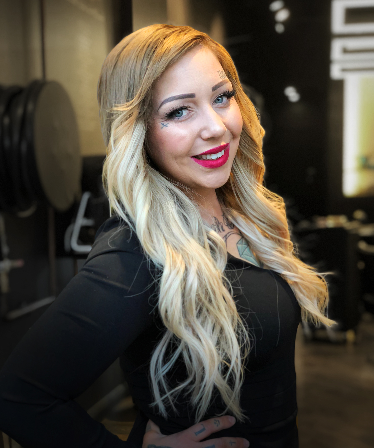shannon, MASTER COLOURIST  Shannon's passion lies her eye for detail, when it comes to colours she knows it all. She can bring out the colour you desire mixed in with what she sees fit for your face and skin tone. No need to stress when your in her care.