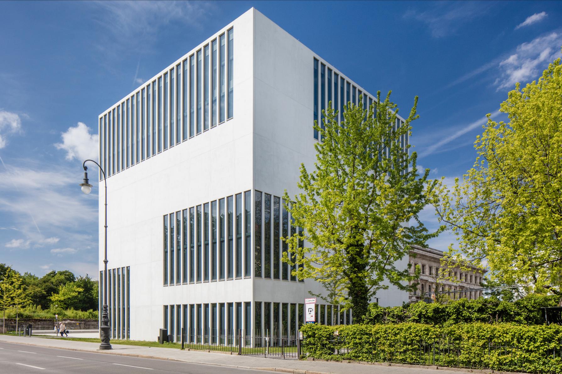 Architekturfotograf Berlin Felix Löchner -  https://commons.wikimedia.org/wiki/File:A9A9562.jpg