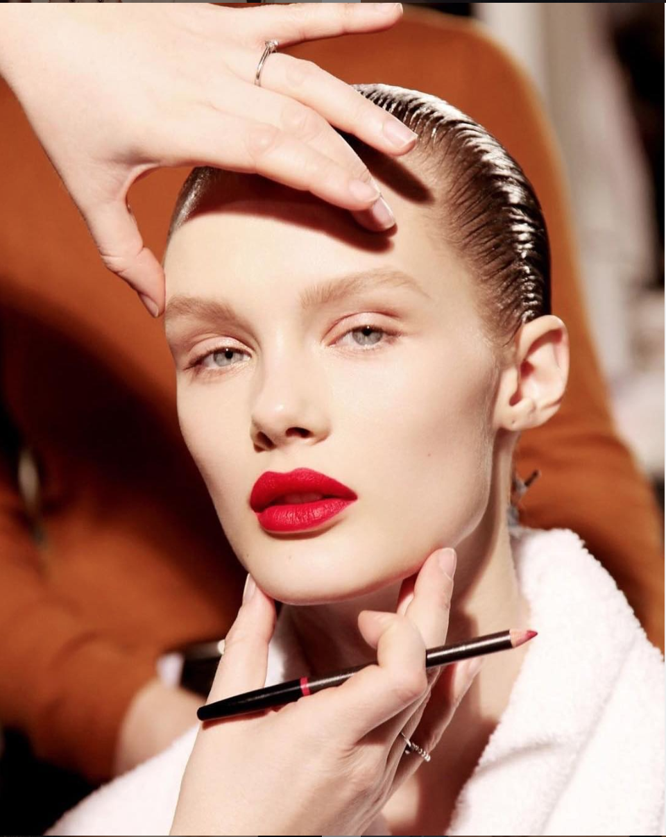 Backstage at alexandermcqueen. Makeup designed by genius Lucia Pieroni applied by Lois
