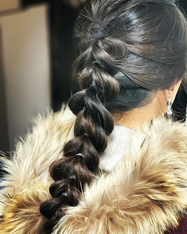 2019/1/15  ゴム黒にしとけば良かった^_^  hair kase make miho  #hairarrange #hairstyle #hairfashion #massatoparis #roppongihills #camera #canon #サロンモデル #ヘアサロン #サロンモデル募集 #美容 #美容室 #美容学校 #カメラ #口紅 #無造作ヘア #六本木ヒルズ #スタイリスト #スタイリング #ブロー #ヘアカラー #ヘアパーマ #東京#オズモール#おしゃれ #utowa#カメラ