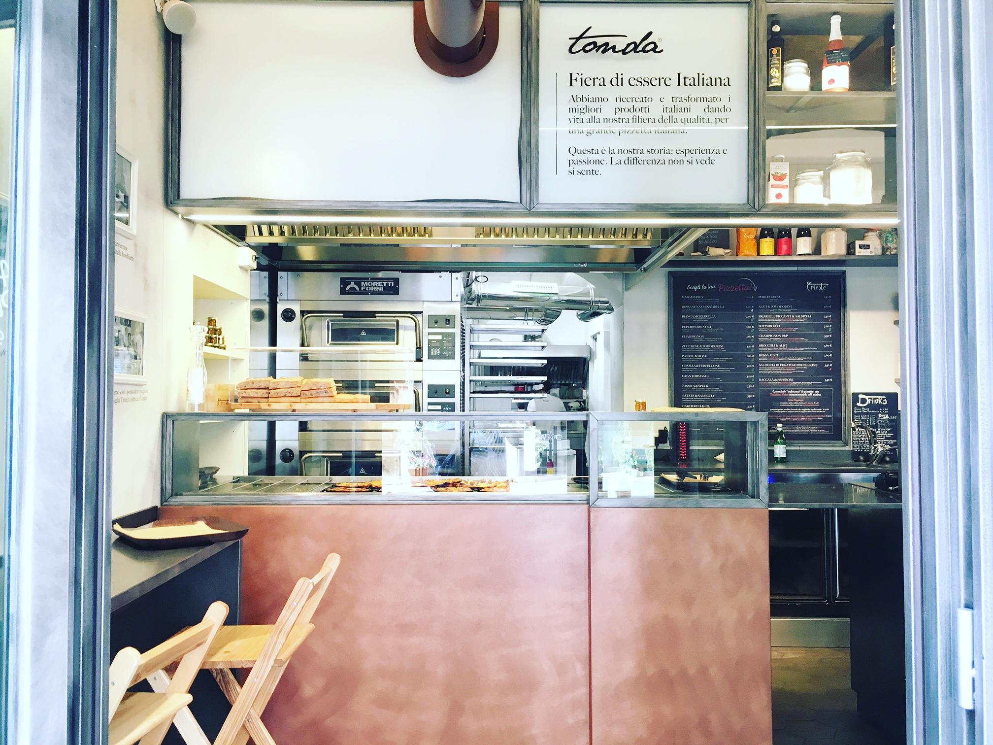 Trieste Pizza - Tonda - Store Front