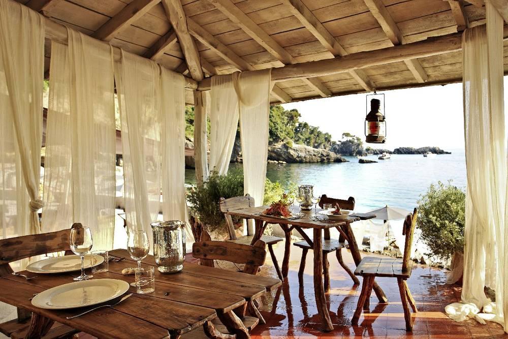 The restaurant at Eco del Mare