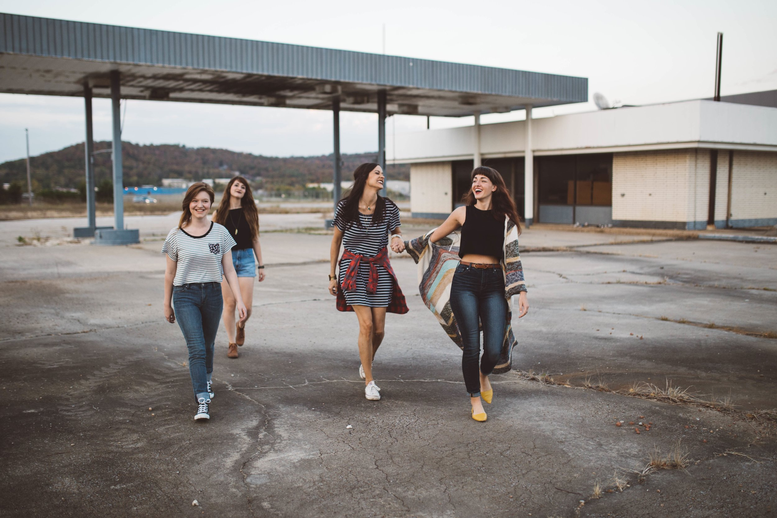 Meet like-minded friends as an adult abroad