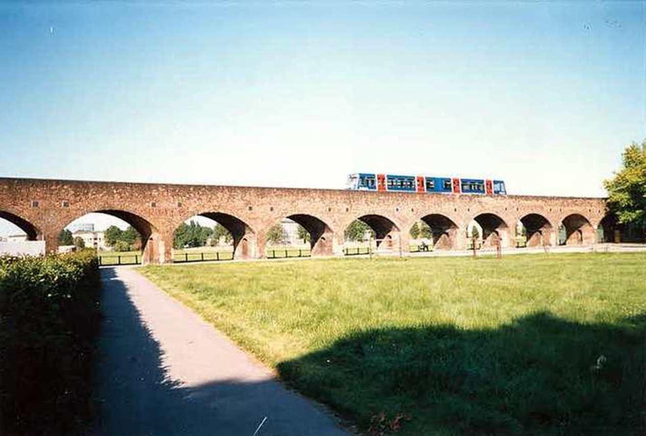 DLR on Millwall Viaduct.jpg