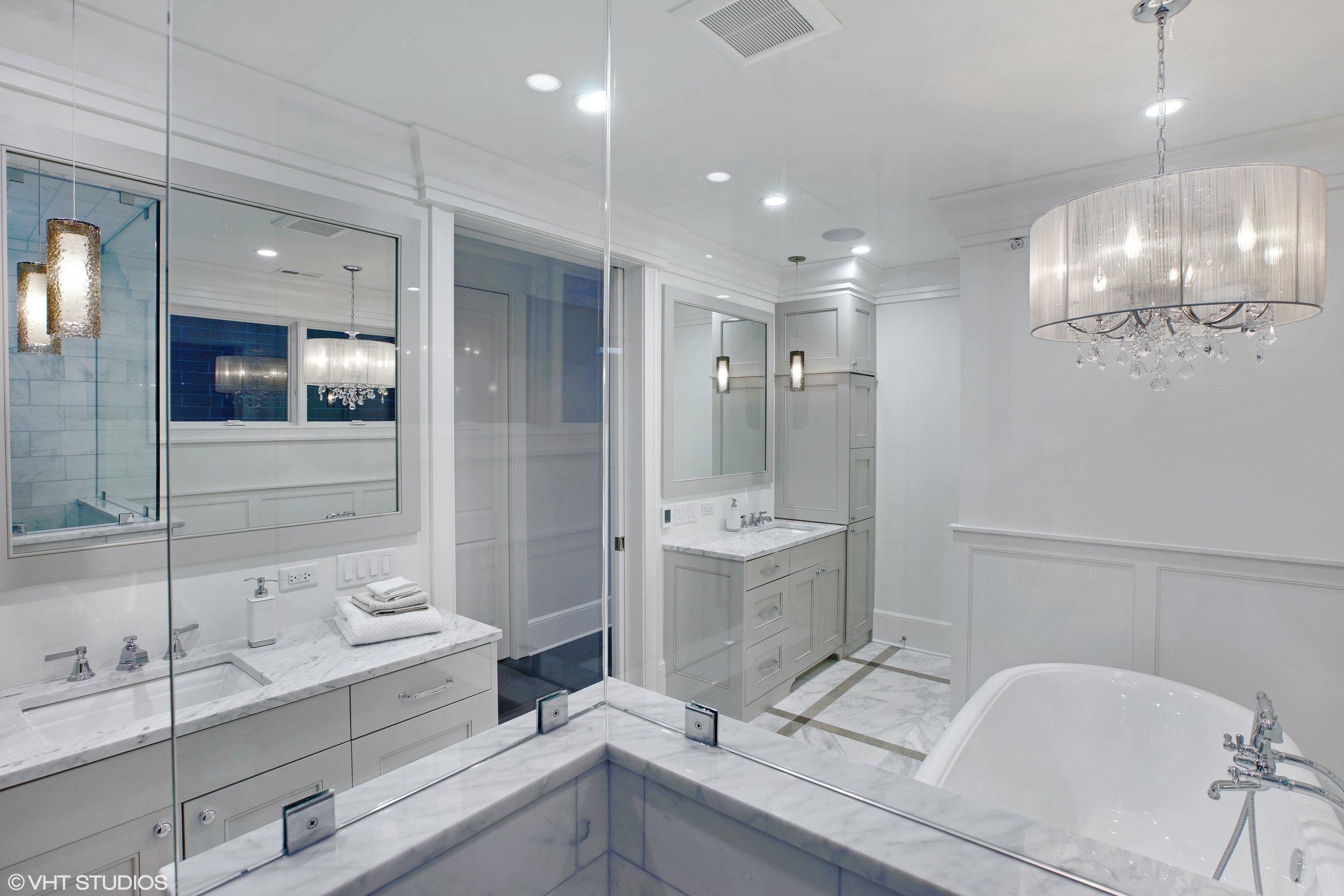 17_2018-N-Dayton_168_Master-Bathroom_Print.jpg