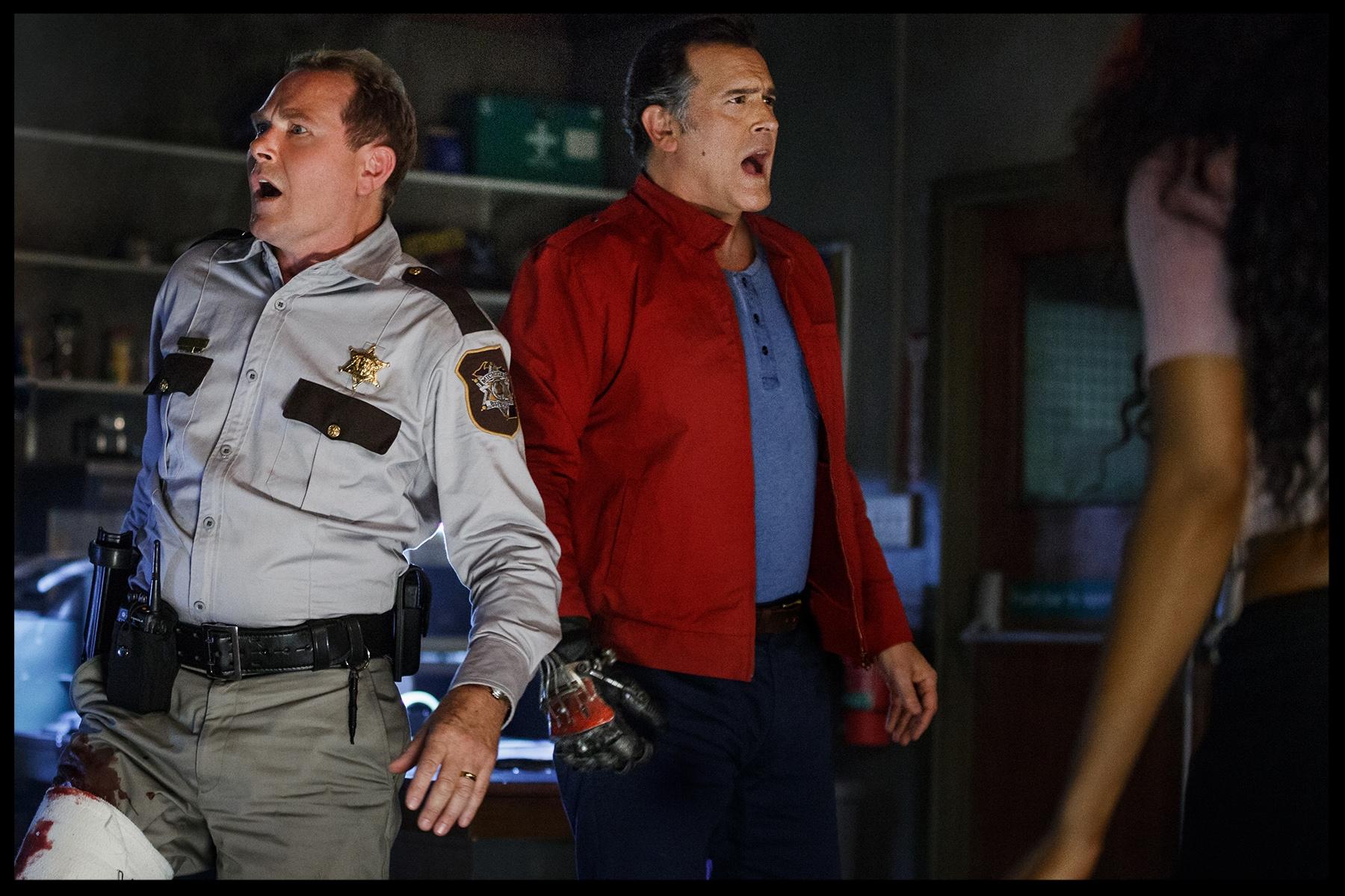 Stephen+Lovat+(Sheriff+Thomas+Emery)+and+Bruce+Campbell+(Ash)+-+205.jpg