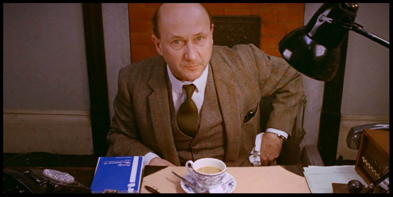 Death Line Donald Pleasence 1.png