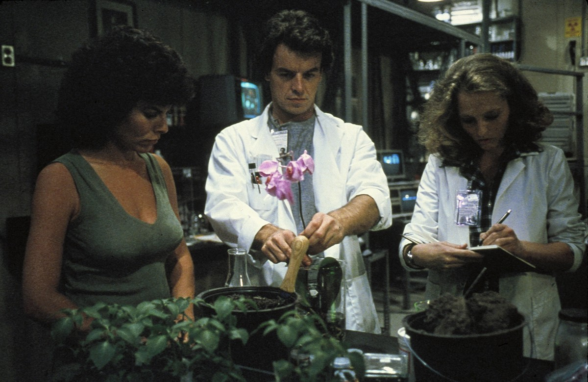 Swamp Thing - Adrienne Barbeau and Ray Wise