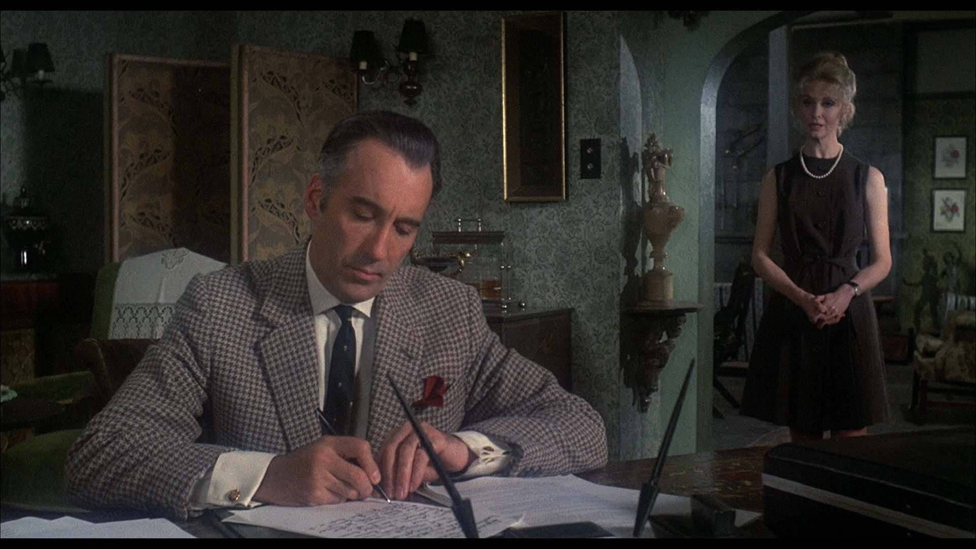 Christopher Lee - The House That Dripped Blood