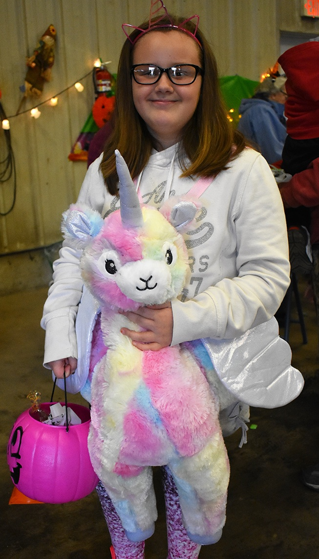 Town of Macomb held Annual Trunk or Treat_03.jpg