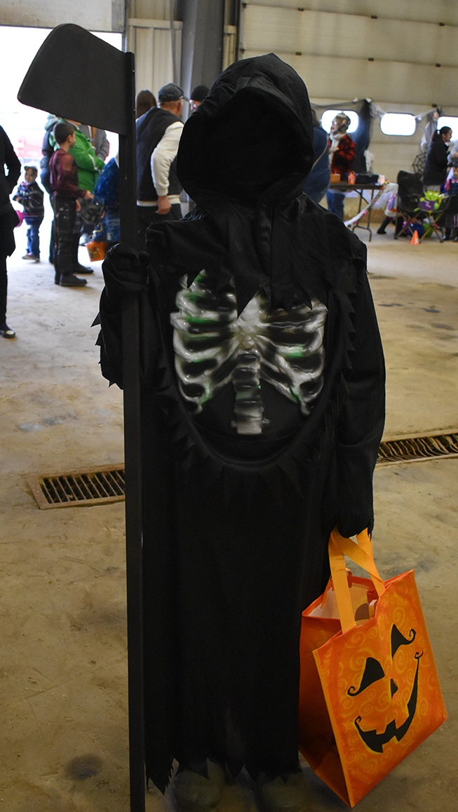 Town of Macomb held Annual Trunk or Treat_05.jpg