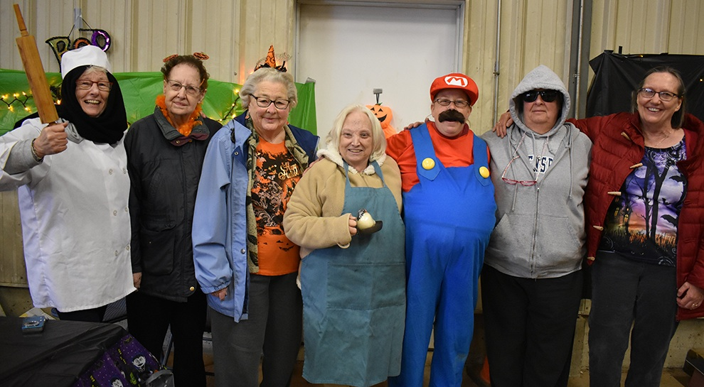 Town of Macomb held Annual Trunk or Treat_06.jpg