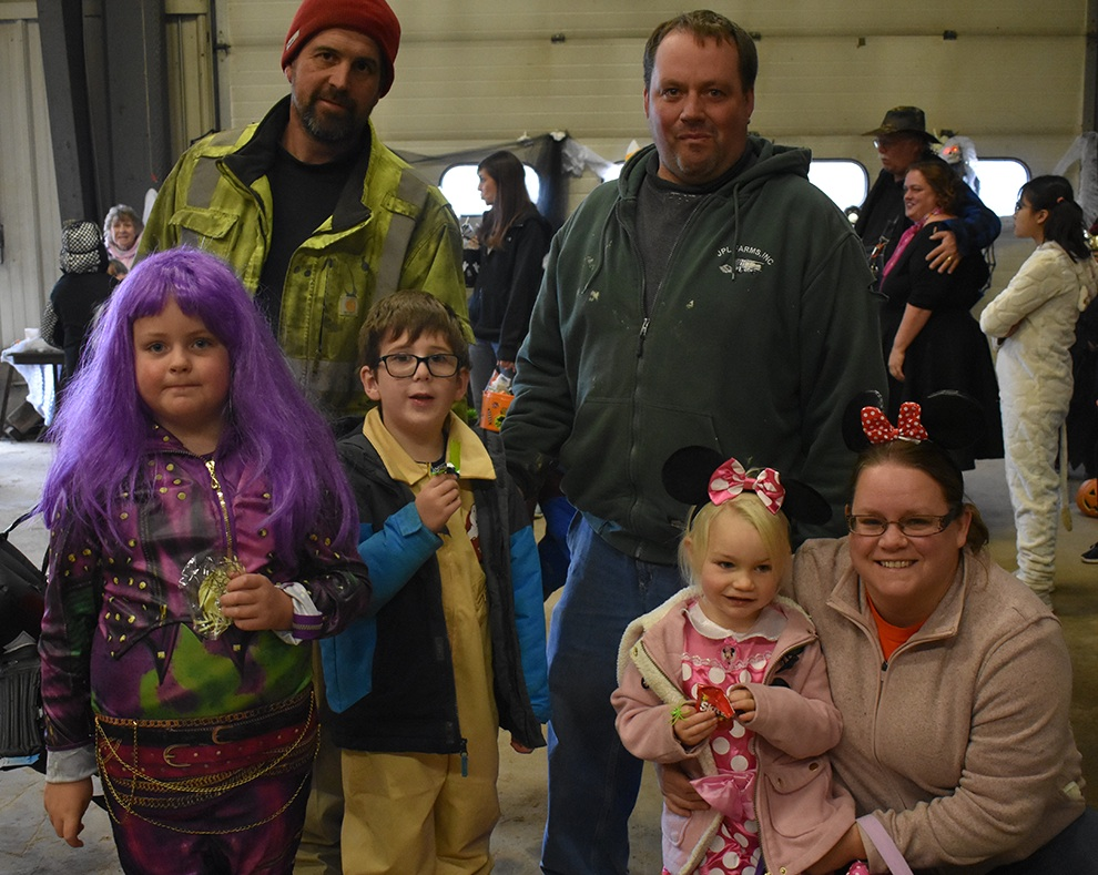 Town of Macomb held Annual Trunk or Treat_07.jpg