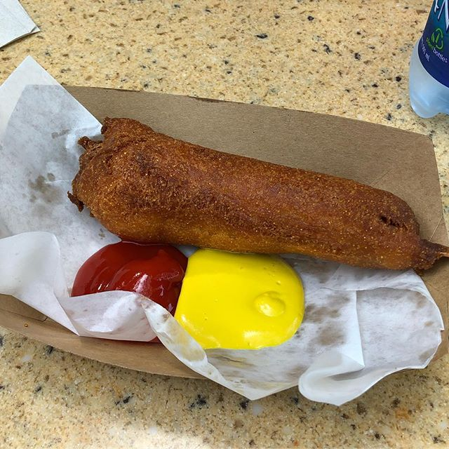 Perfect breakfast #disneyland #littleredwagoncorndogs