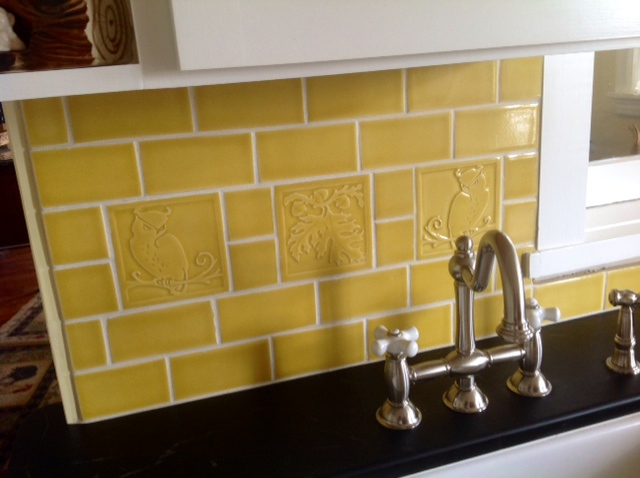 kitchen tile back splash t.JPG