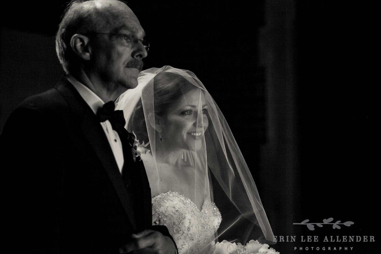 Bride_Sees_Groom_Aisle
