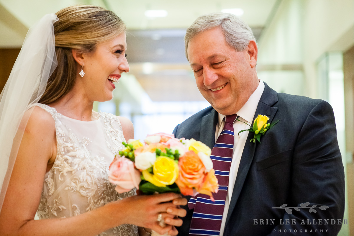 Bride_Laughs_With_Dad