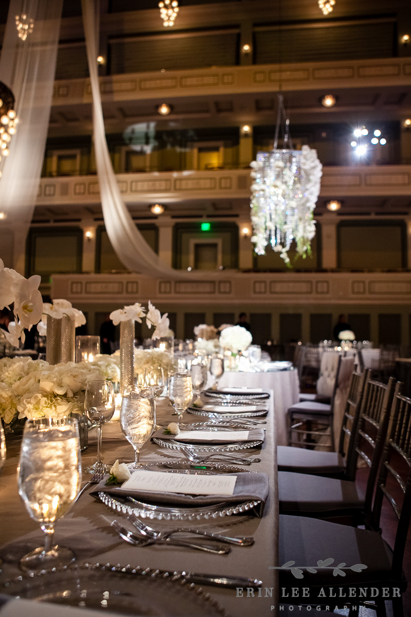 White_And_Silver_Table_Decor
