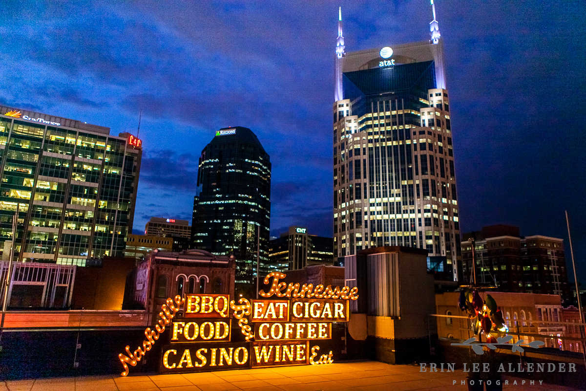 Nashville_Skyline_With_Marque_Sign