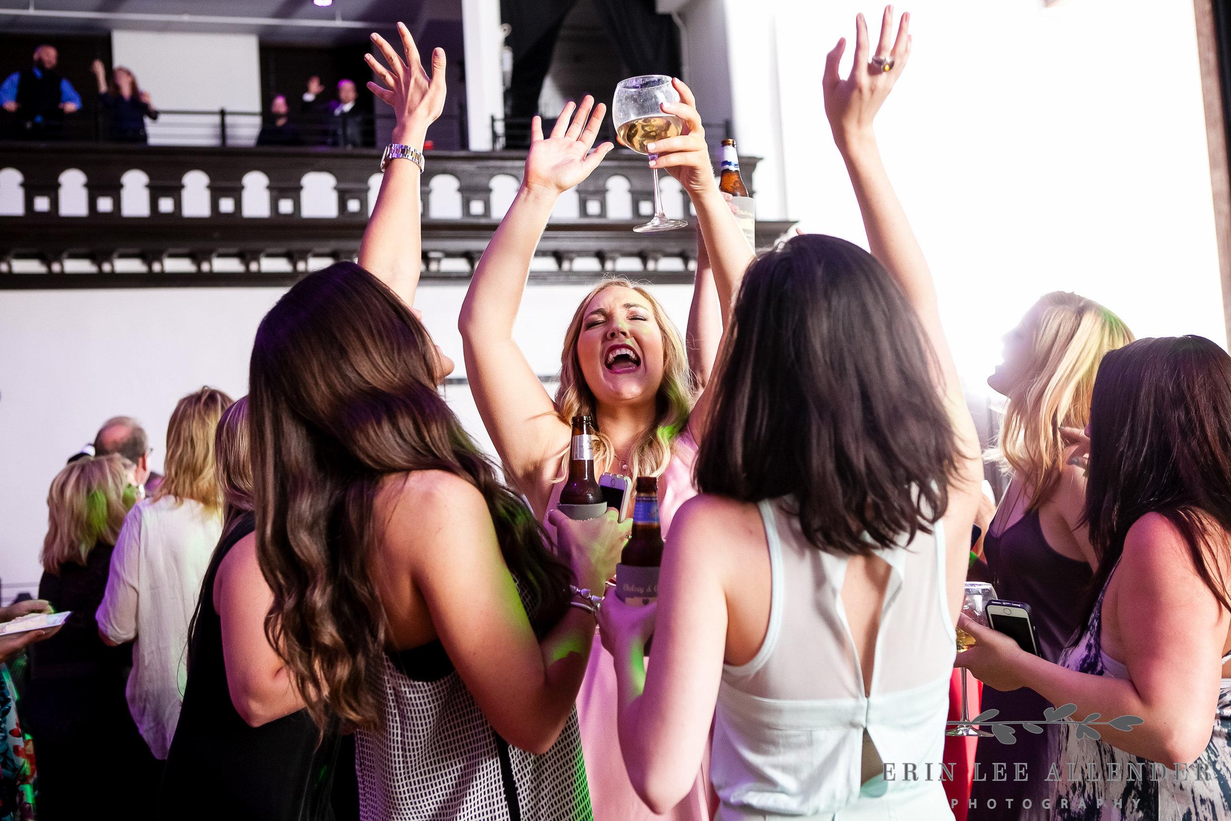 Fun_Dancing_Photo_Reception