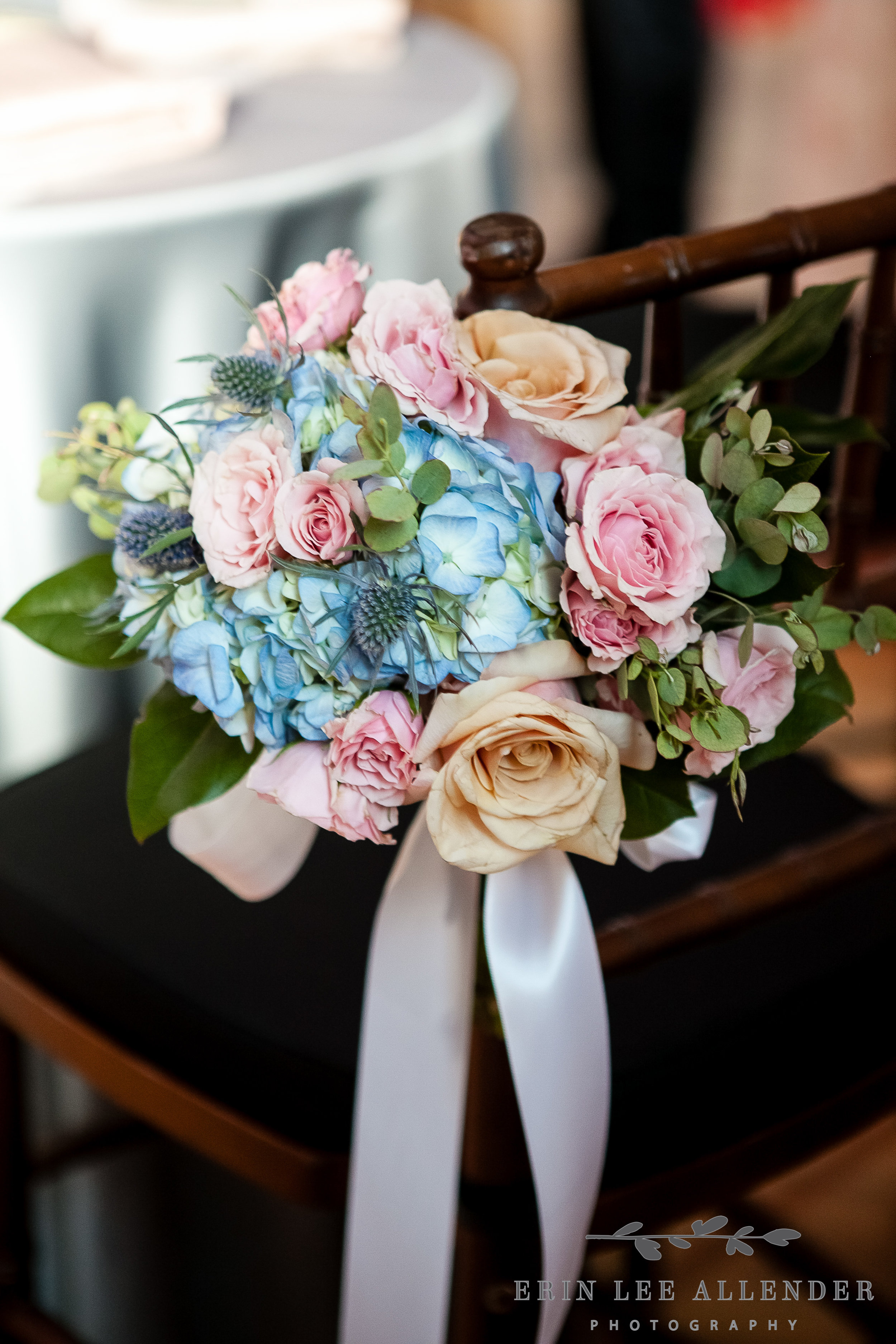Blue_Hydrangea_Pink_Rose_Arrangement