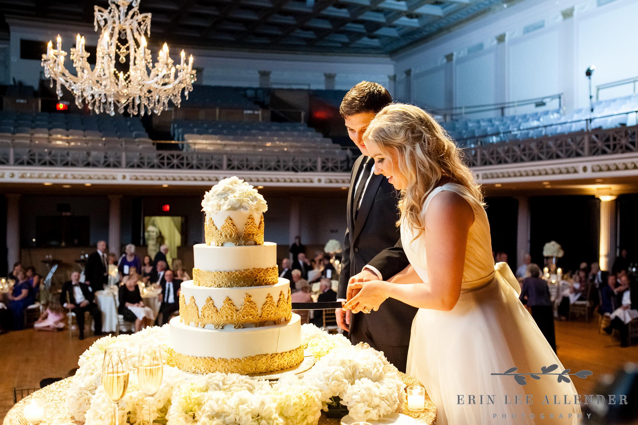 Bride_Groom_Cut _The_Cake