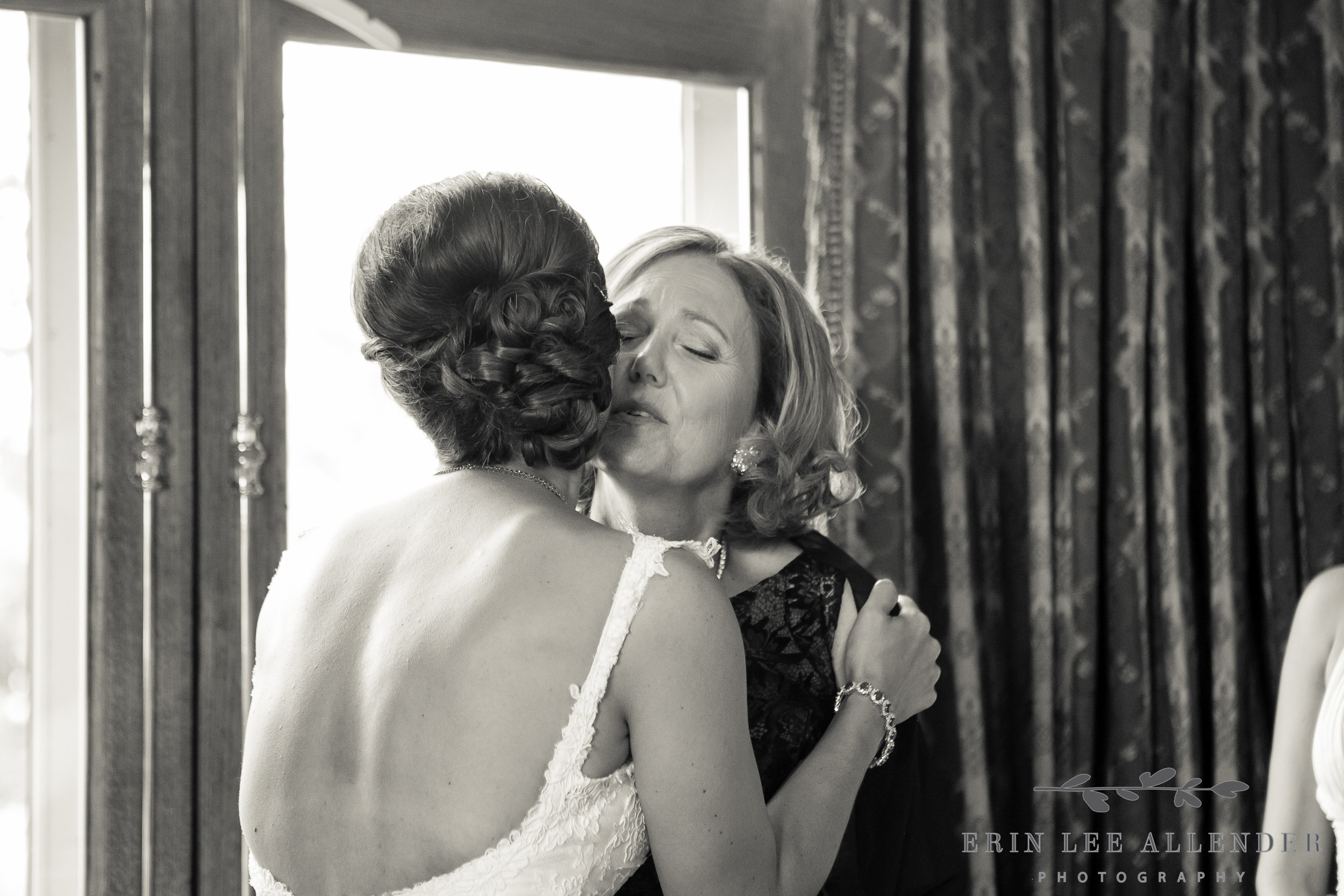 Mom_Kisses_Bride