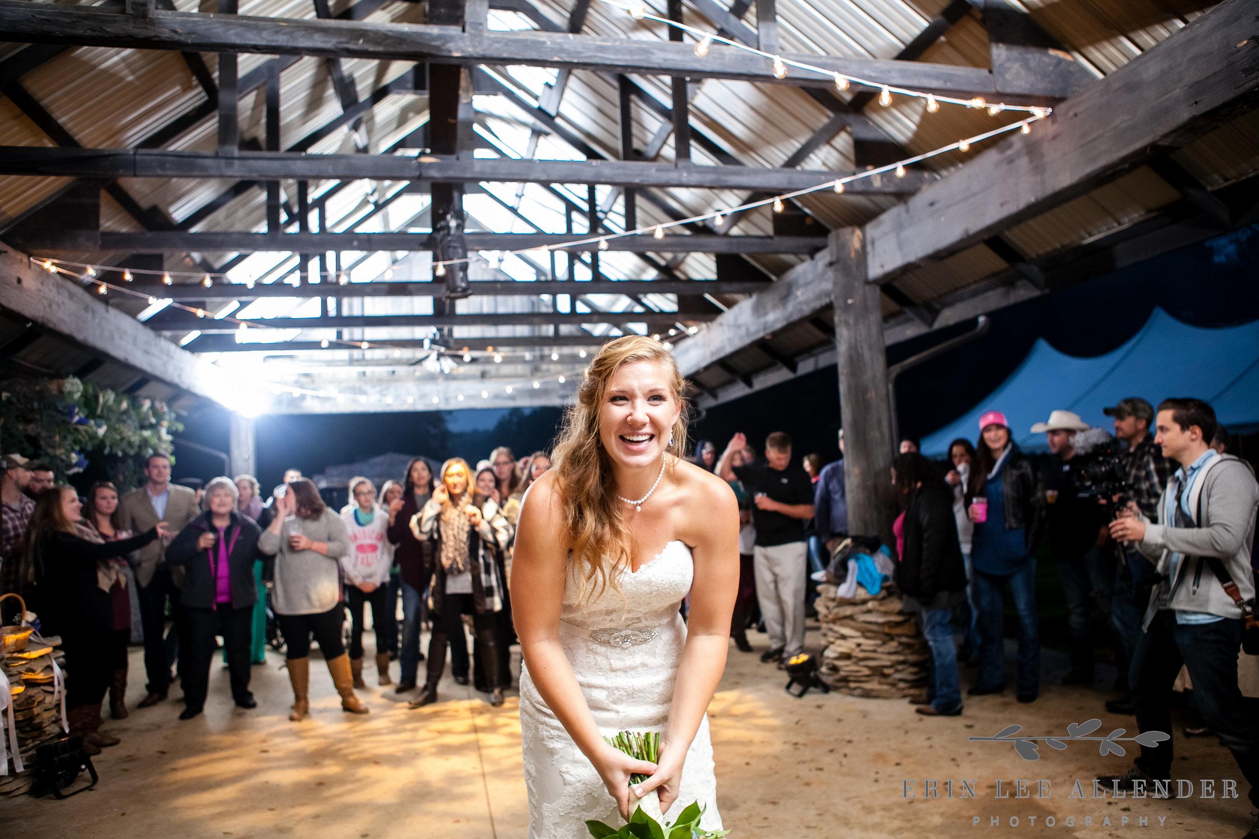 Bouquet_Toss_Backyard_Wedding