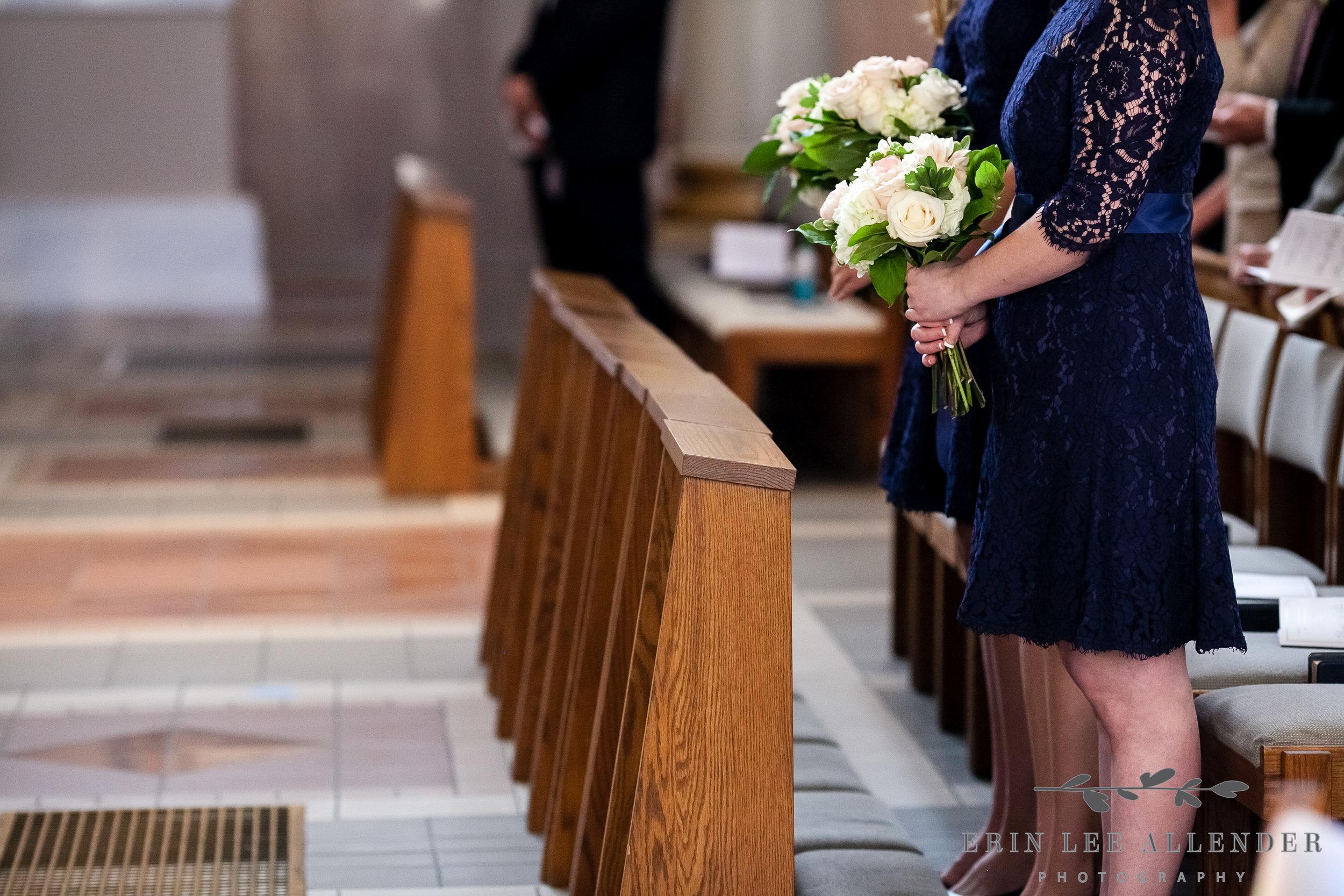 Bridesmaid_Bouquet_Pew