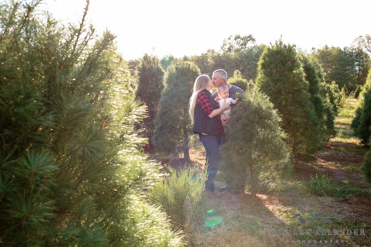 Christmas_Tree_Farm_Mini_Session