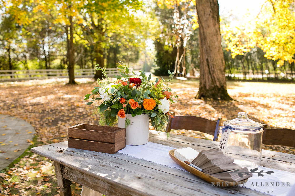 Autumn_Guestbook_Table