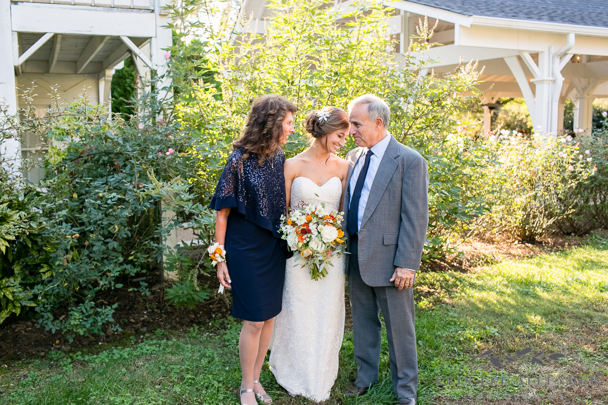 Bride_and_Dad_Cry