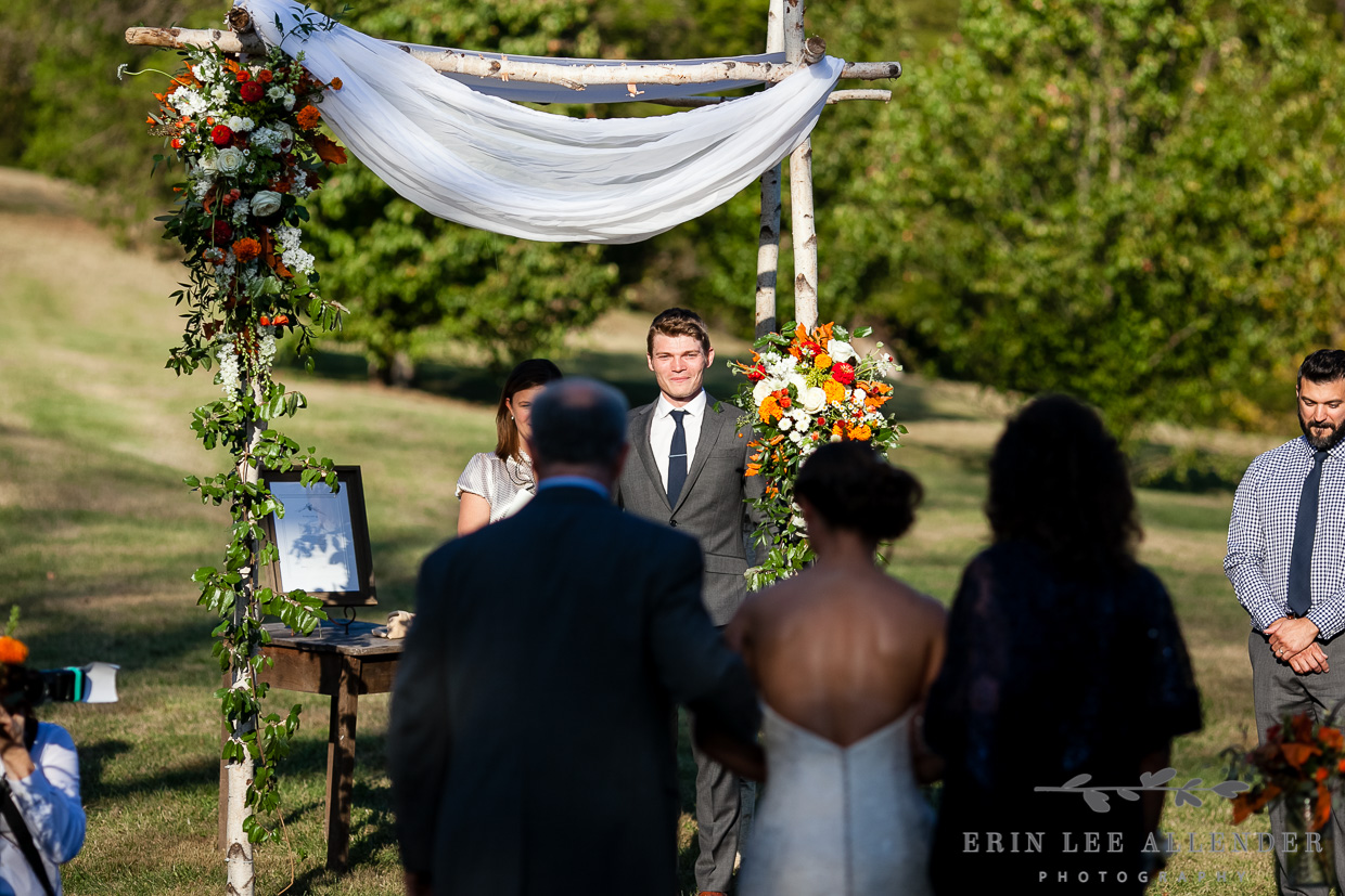 Groom_Sees_Bride_Walking_Down_Aisle
