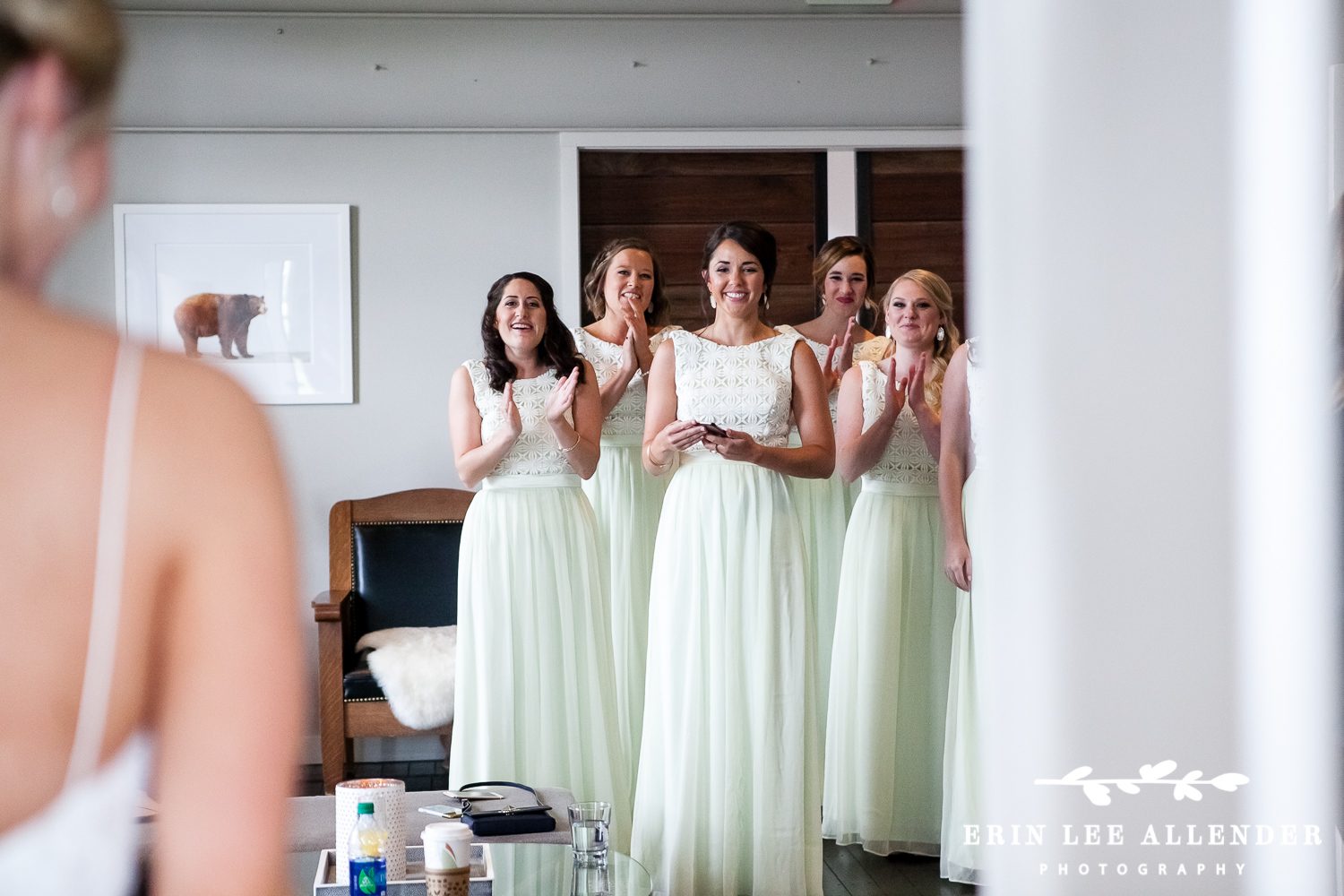Bridesmaids_See_Bride_For_First_Time